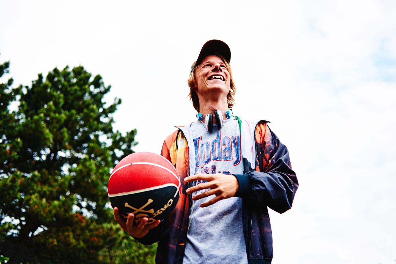 02basketball-oliver-poppke