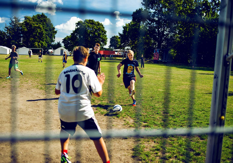 03football_oliver-poppke